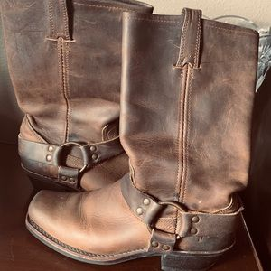 Frye Harness 12R boots! Size 8 -New
